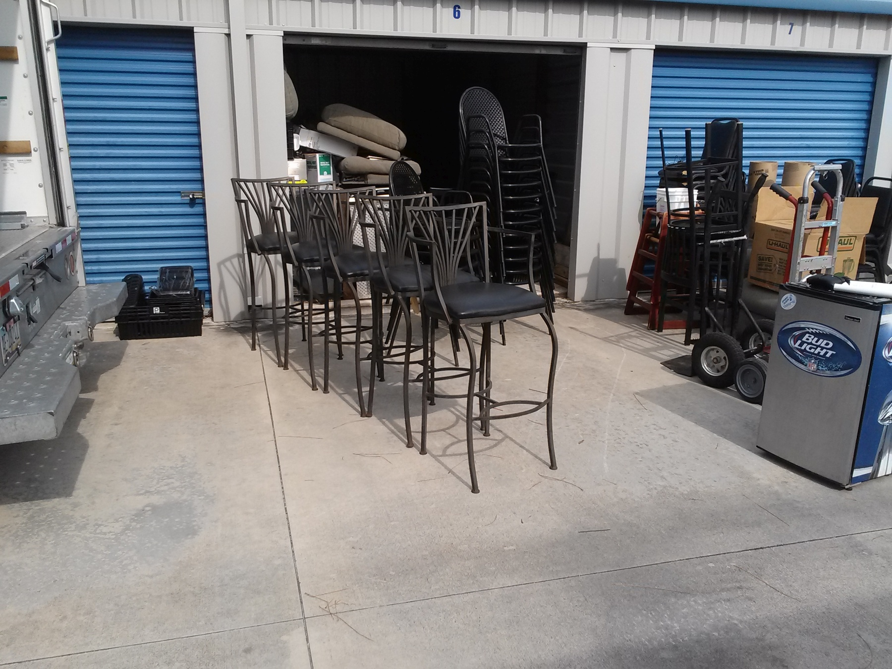 5 metal chairs high back